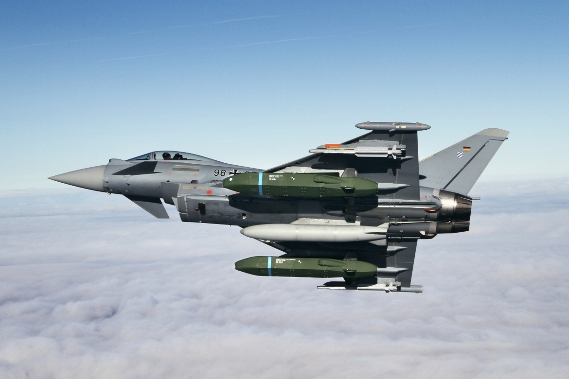 Eurofighter Typhoon Flight tests with Taurus KEPD 350 missile started_c_J Gietl.jpg