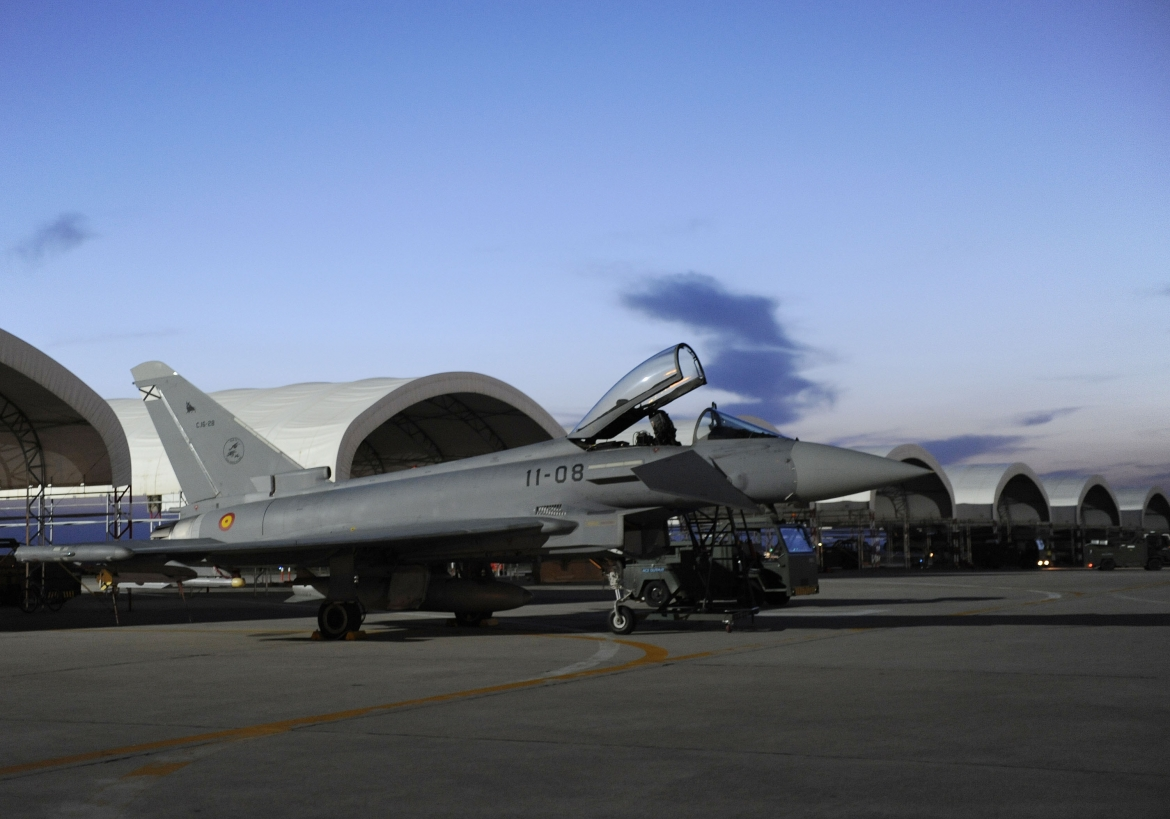 Eurofighter Typhoon | SPAF Eurofighter ground operations at